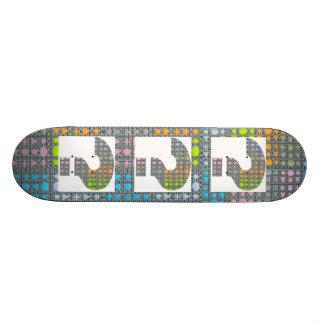 Joueur d'étoile - tournoi de concurrence plateaux de skateboards