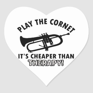 Jouez la trompette autocollant en cœur