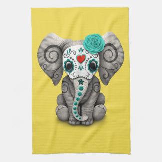 Jour bleu de l'éléphant mort serviette éponge
