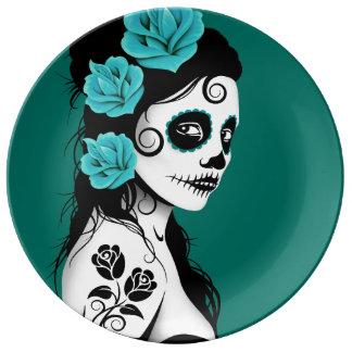 Jour bleu turquoise de la fille morte de crâne de assiette en porcelaine