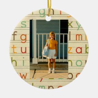 Jour d'alphabet d'impression premier d'école toute ornement rond en céramique
