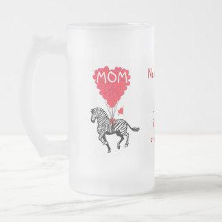 Jour de mères drôle personnalisé de zèbre tasse