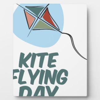 Jour de vol de cerf-volant - 8 février impressions sur plaque