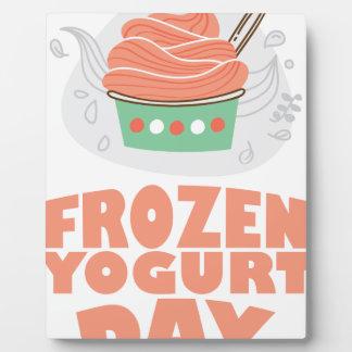 Jour de yogourt glacé - jour d'appréciation photo sur plaque