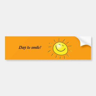 Jour ensoleillé, le soleil de sourire, jour à sour autocollant pour voiture