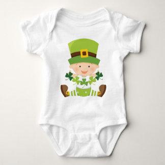 Jour irlandais de St Paddys de shamrocks de vert Body