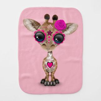 Jour rose de la girafe morte de bébé linge de bébé