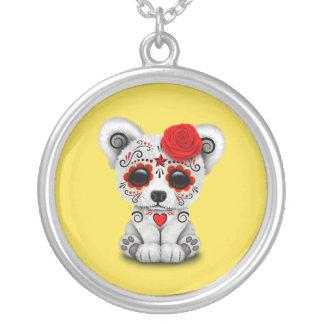 Jour rouge de l'ours blanc de bébé mort pendentif rond