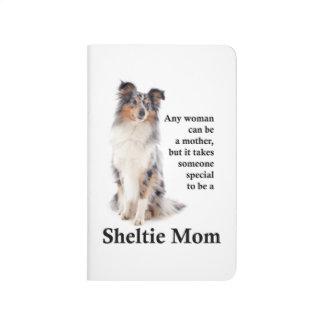 Journal bleu de poche de maman de Merle Sheltie