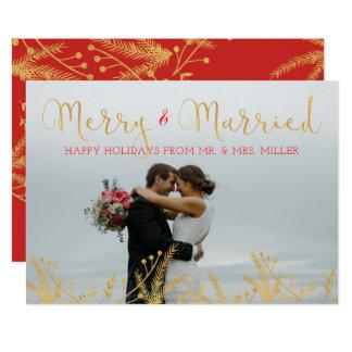 Joyeuse et mariée carte rouge de vacances de Noël