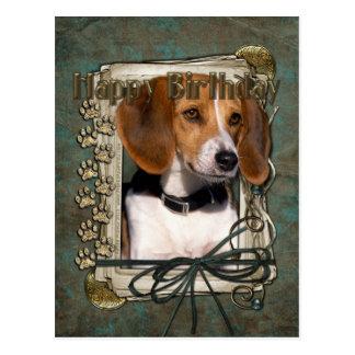 Joyeux anniversaire - pattes en pierre - beagle carte postale