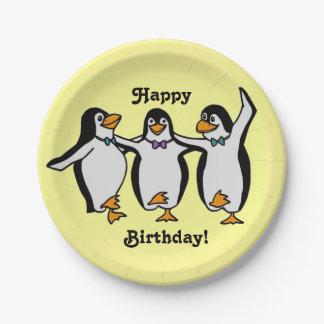 Joyeux anniversaire ! Pingouins de danse Assiette En Papier 17,8 Cm