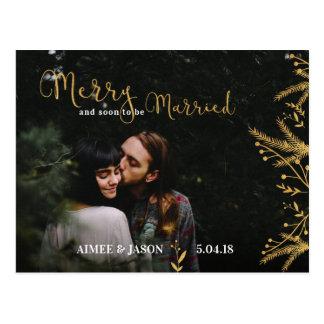 Joyeux et être bientôt carte postale mariée de