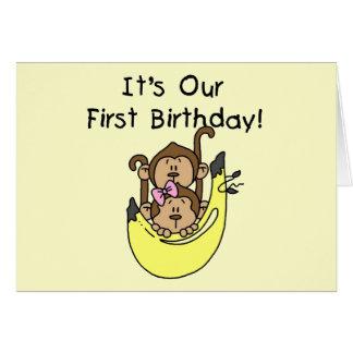 Jumeaux - anniversaire de singe de garçon et de cartes