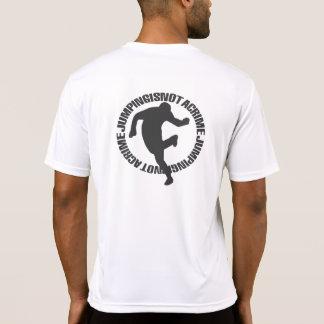 Jumpstyle allument le T-shirt de blanc avec le