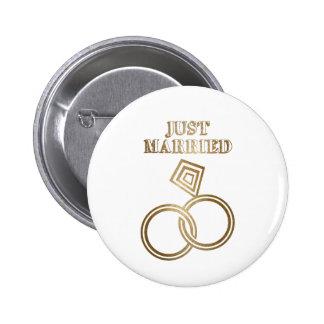 Juste épouser romantique marié d'anneaux d'or badges