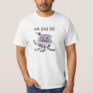 Juste marié épousant la voiture t-shirt