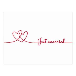 Juste marié, ligne de deux coeurs rouge darwing carte postale