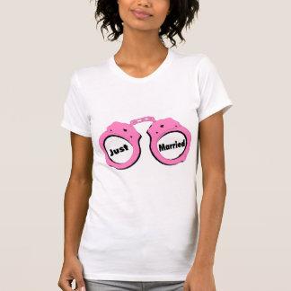 Juste menottes mariées de rose t-shirt