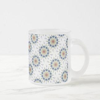 Kaléidoscope floral de vase oriental vintage mug en verre givré