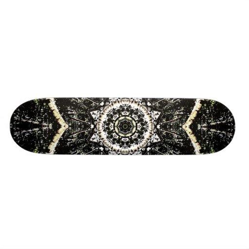 Kaléidoscope gothique planches à roulettes customisées