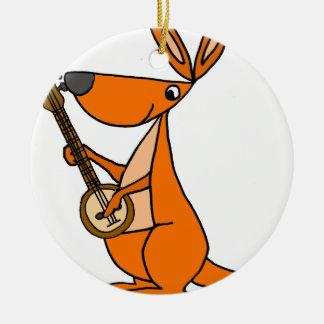 Kangourou mignon jouant la bande dessinée de banjo ornement rond en céramique
