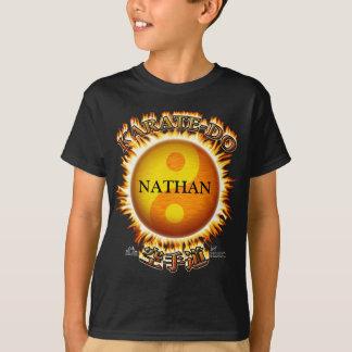 Karaté-affrontez le T-shirts de l'enfant