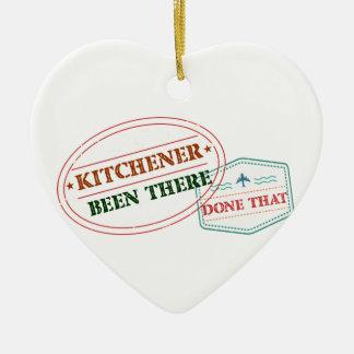 Kitchener là fait cela ornement cœur en céramique