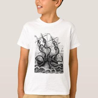 Kraken/poulpe Eatting un bateau de pirate, T-shirt
