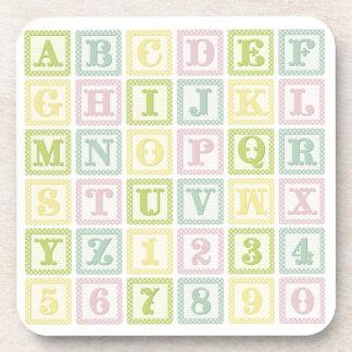 L alphabet de bébé bloque le coaste pour le cadeau sous-bocks