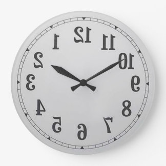 L inverse numérote l horloge murale