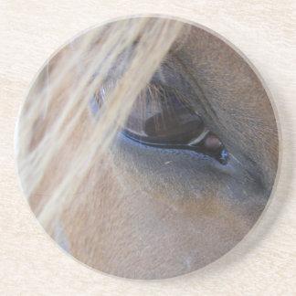 L oeil d avril dessous de verre