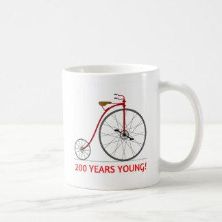 La bicyclette célèbre 200 jeunes ! mug