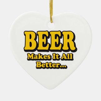La bière lui fait mieux - les amants drôles de ornement cœur en céramique