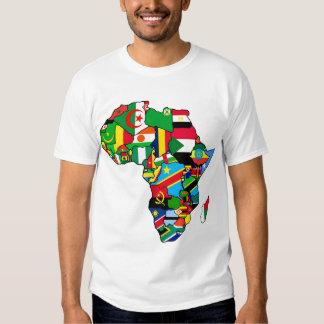 La carte africaine des drapeaux de l'Afrique dans T-shirts