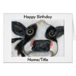 La carte de voeux mignonne d'anniversaire de vache