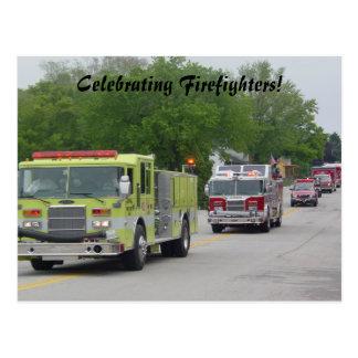 La célébration du sapeur-pompier carte postale