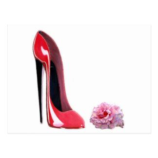 La chaussure stylet rouge de talon noir et s'est cartes postales