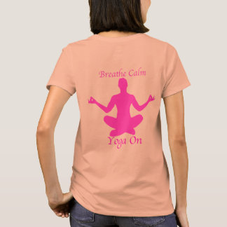 La chemise de yoga respirent le yoga calme dessus t-shirt