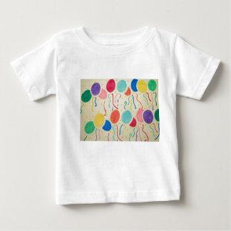 La chemise du bébé de ballons et de flammes t-shirt