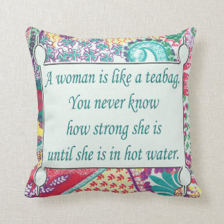 La citation inspirée, femme d'A est comme un sac à Coussins Carrés