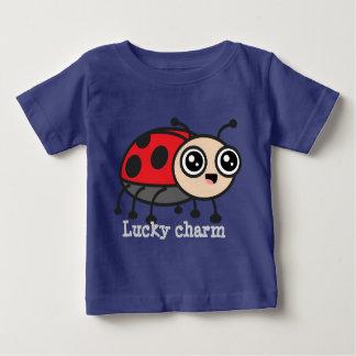 La coccinelle chanceuse de charme badine la pièce t-shirts