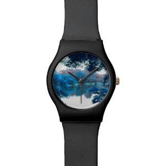 La couleur bleue a effectué la nature fraîche et montre