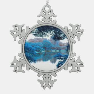 La couleur bleue a effectué la nature fraîche et ornement flocon de neige pewter