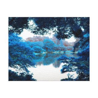 La couleur bleue a effectué la nature fraîche et toile