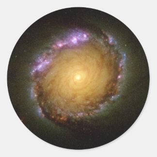 La couleur vivante de galaxie en spirale autocollant rond