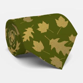La cravate des hommes de motif de feuille de vert