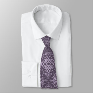 La cravate des hommes élégants pourpres de damassé
