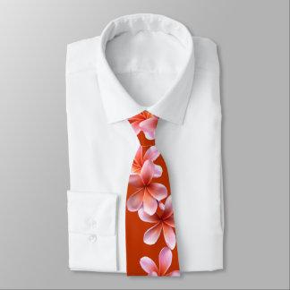 La cravate des hommes tropicaux oranges de