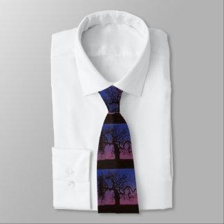 La cravate Gnarly d'arbre